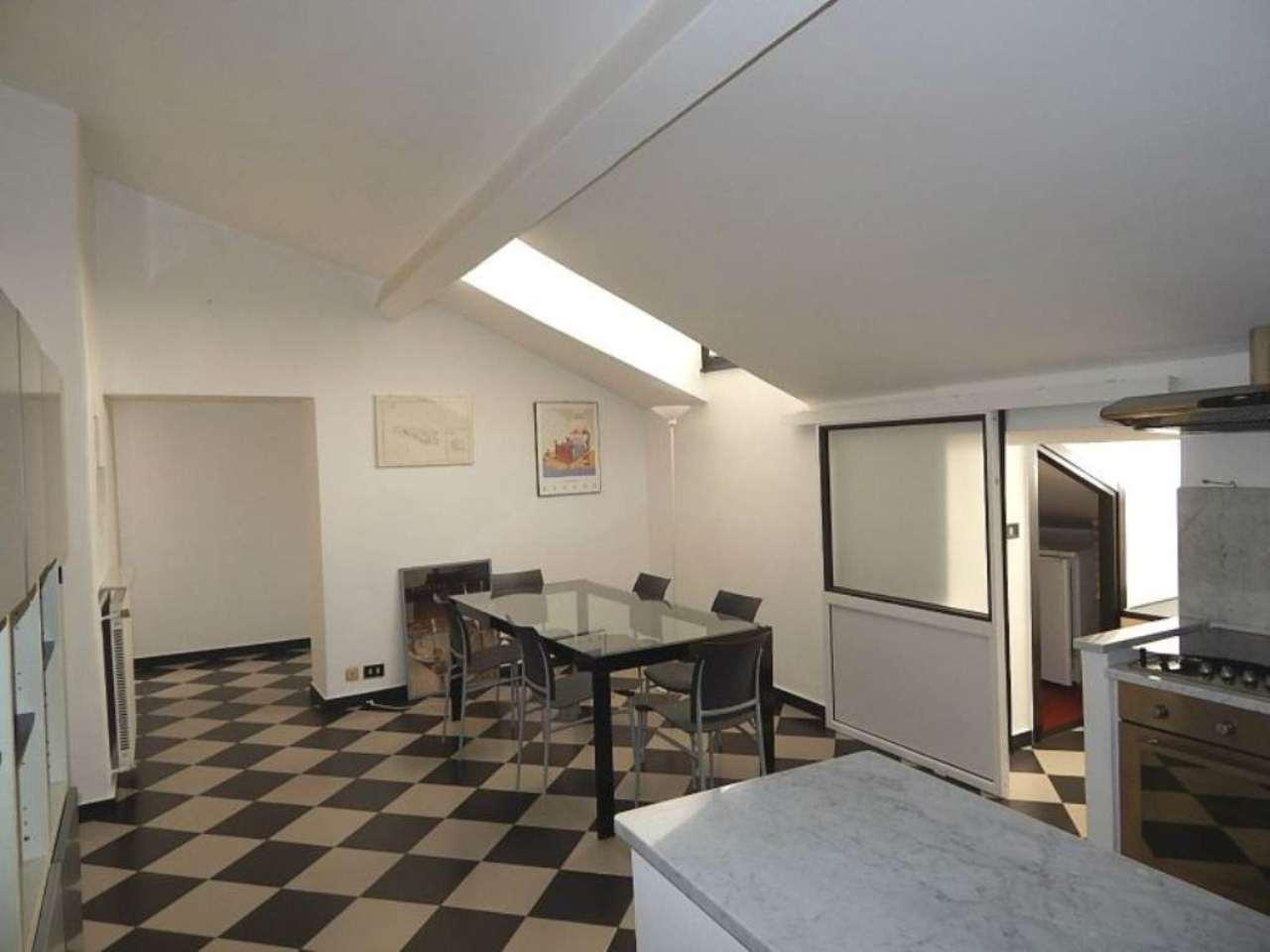 Bilocale Genova Via Ganduccio 4