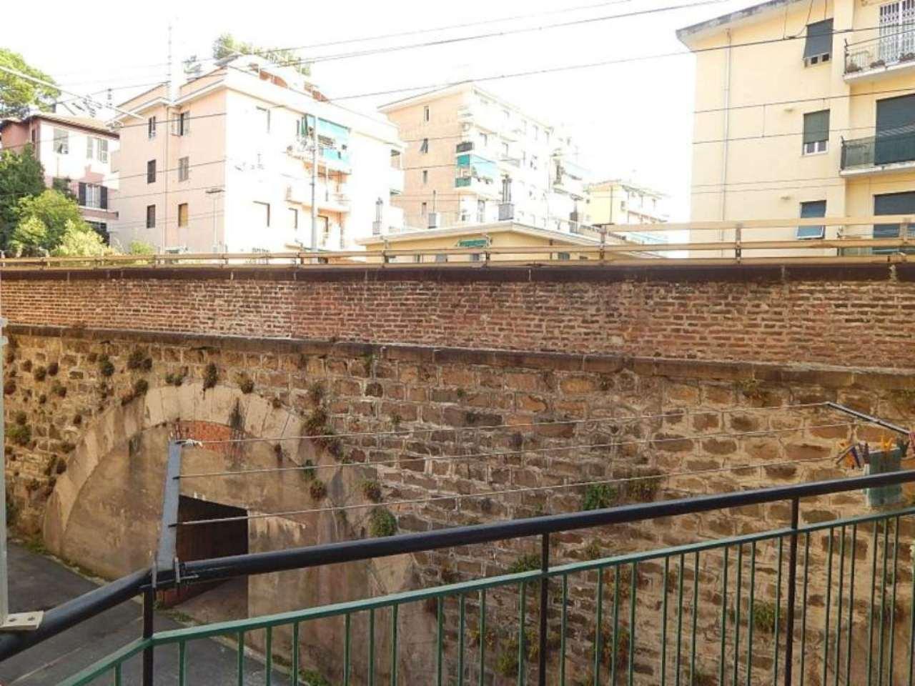 Bilocale Genova Via Divisione Acqui 7