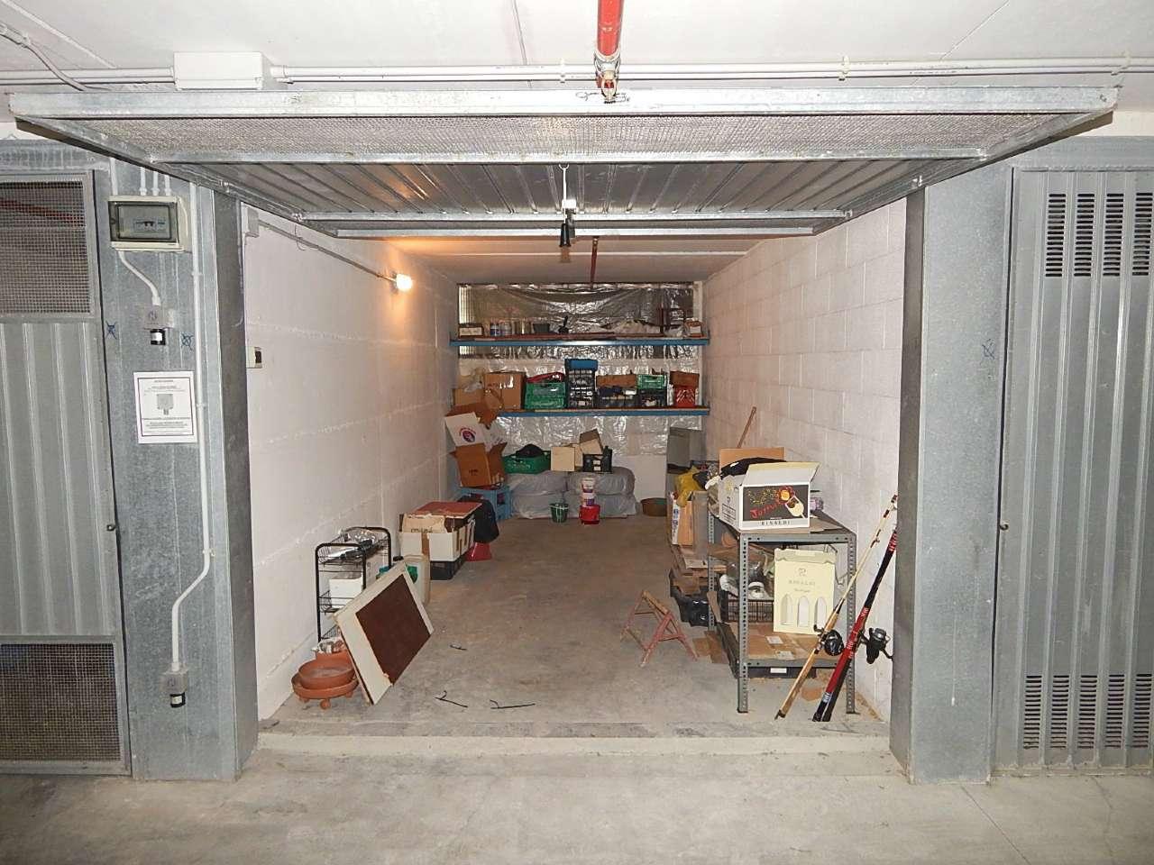 Box garage genova vendita zona 20 quinto nervi levante - Immobile non soggetto all obbligo di certificazione energetica ...