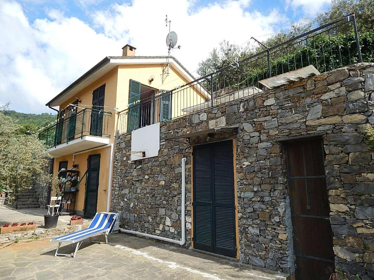 Soluzione Indipendente in vendita a Recco, 5 locali, prezzo € 490.000 | CambioCasa.it