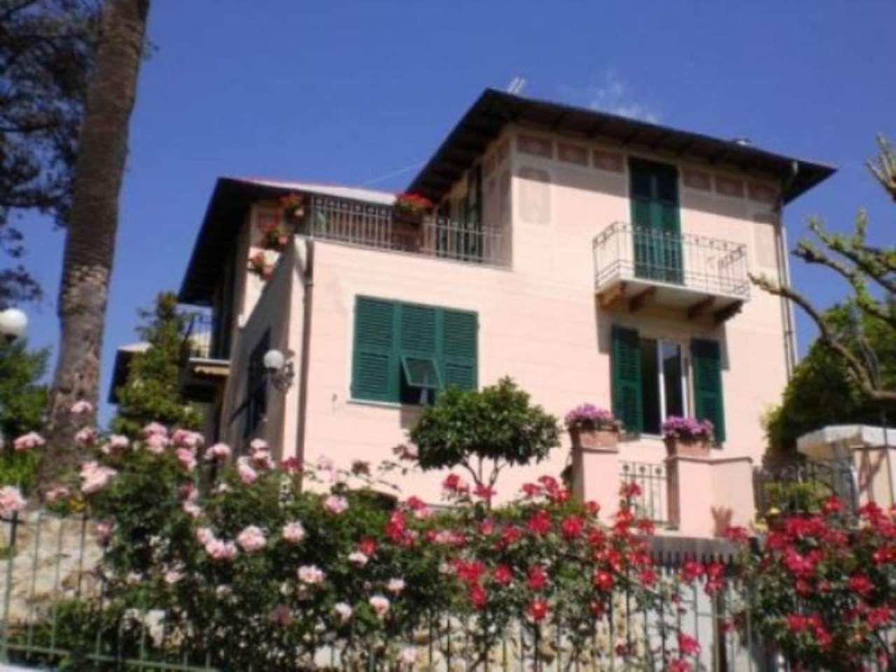 Villa in vendita a Genova, 6 locali, zona Zona: 19 . Quarto, prezzo € 2.200.000   CambioCasa.it