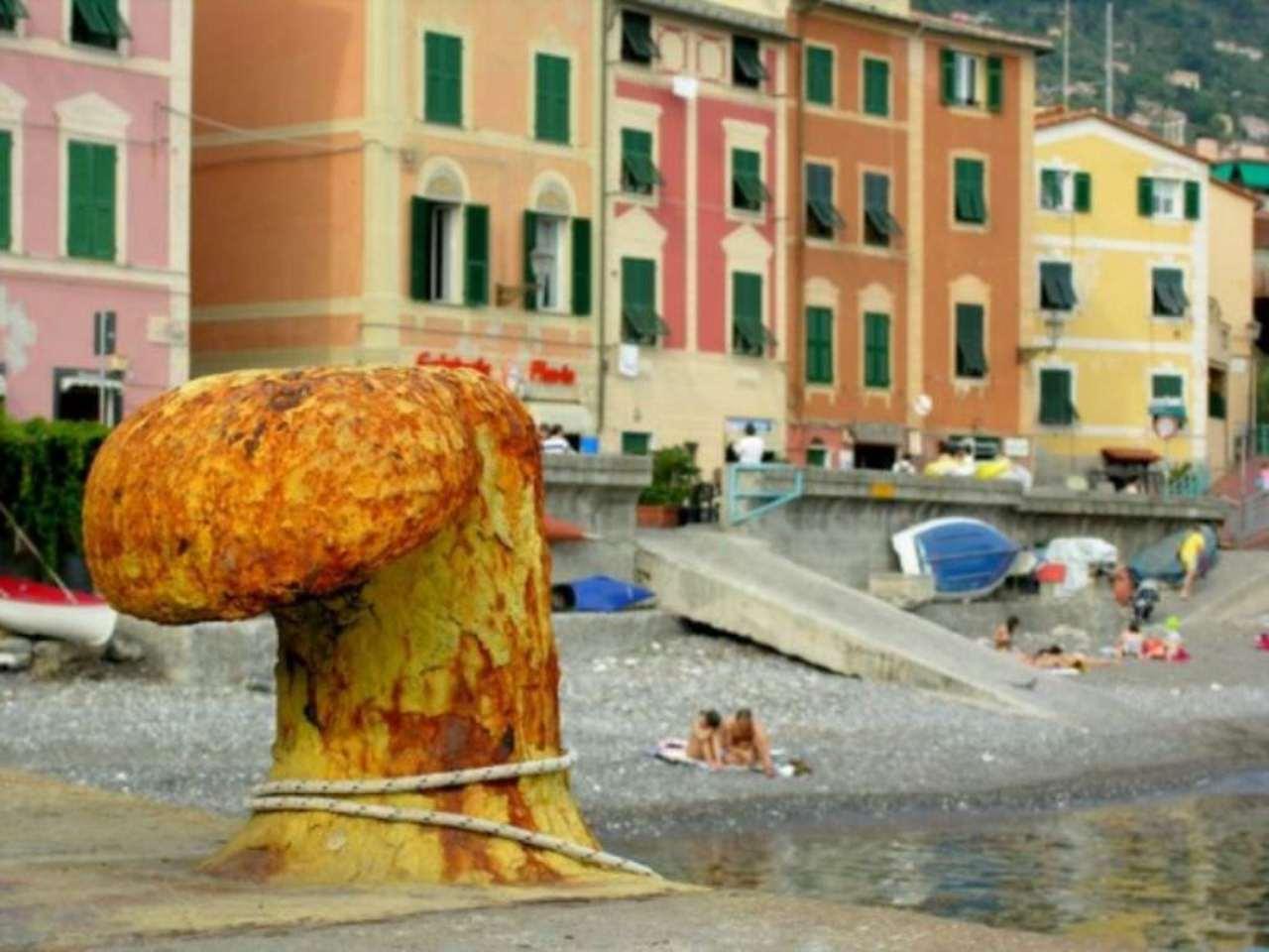 Bilocale Genova Via Felice Gazzolo 3