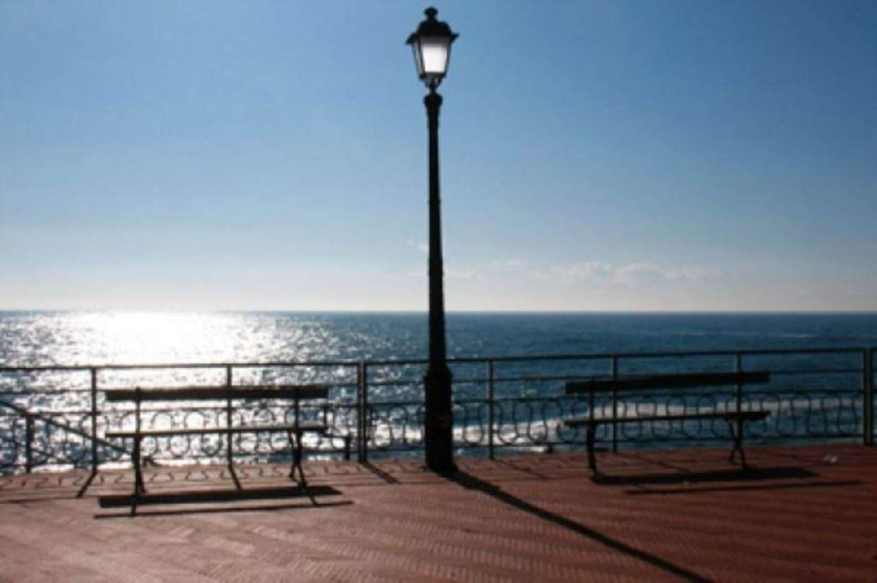 Bilocale Genova Via Felice Gazzolo 5