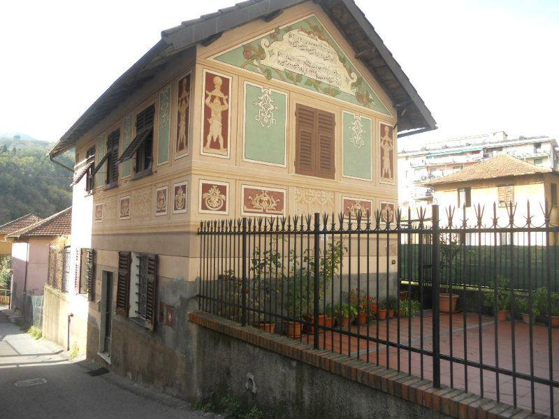 Casa indipendente in vendita a genova passo prato gagliardo for Casa indipendente genova