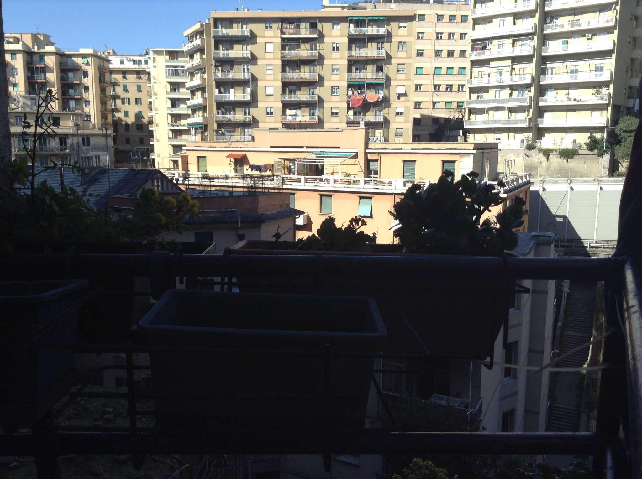 Bilocale Genova Via San Bartolomeo Del Fossato 4