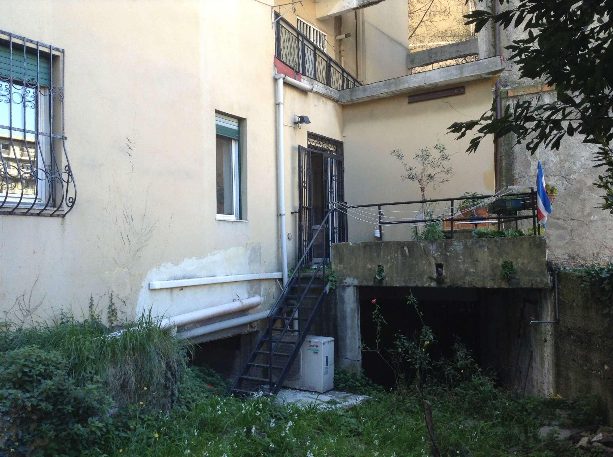 Bilocale Genova Via San Bartolomeo Del Fossato 7