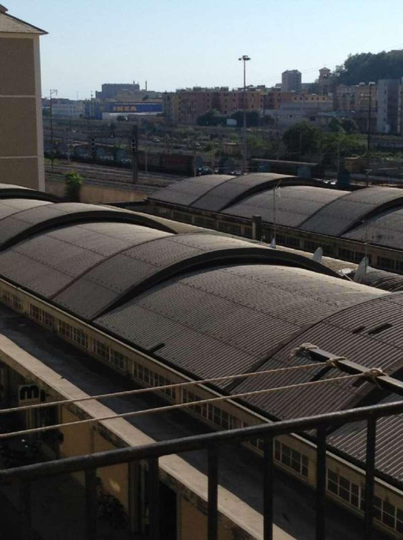 Bilocale Genova Via Fillak 5
