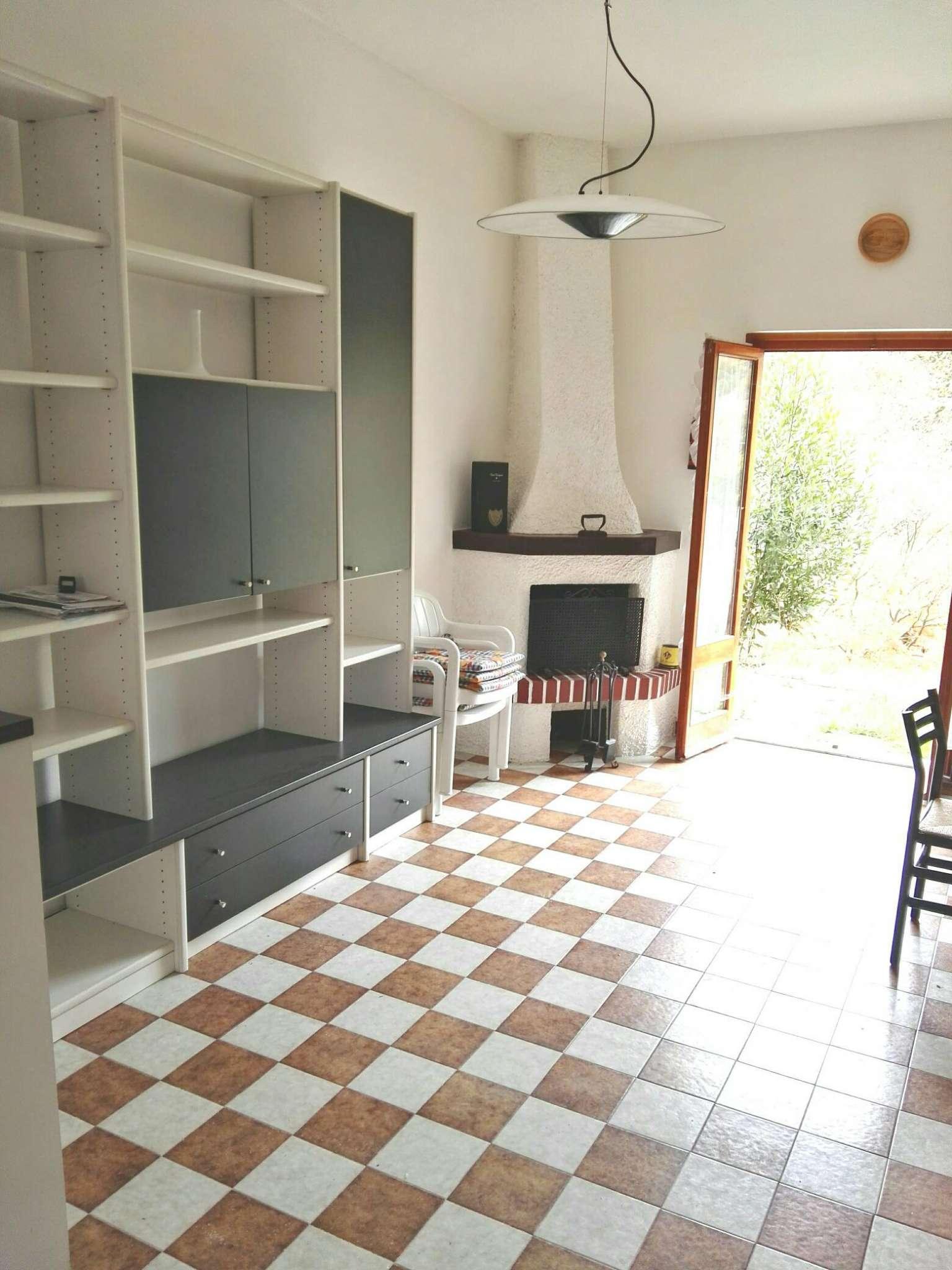 Villa a Schiera in vendita a Casella, 6 locali, prezzo € 88.000 | Cambio Casa.it