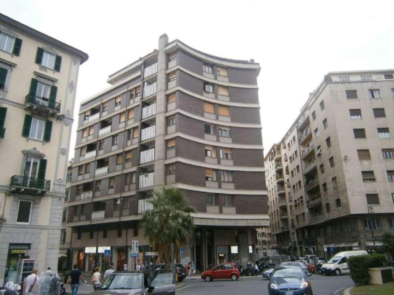 Ufficio-studio in Vendita a Savona Centro: 5 locali, 510 mq
