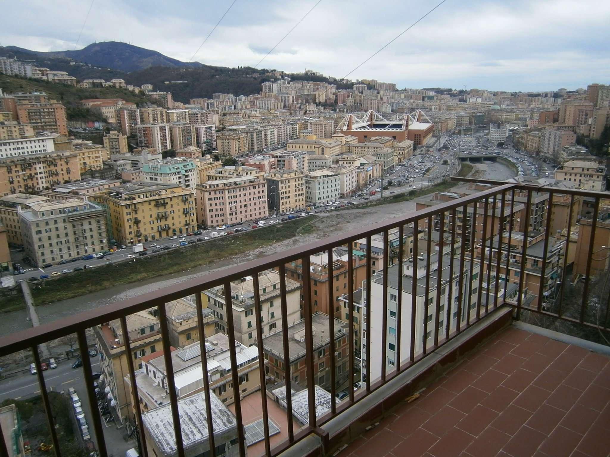 Appartamento in Vendita a Genova Semicentro Nord: 5 locali, 135 mq