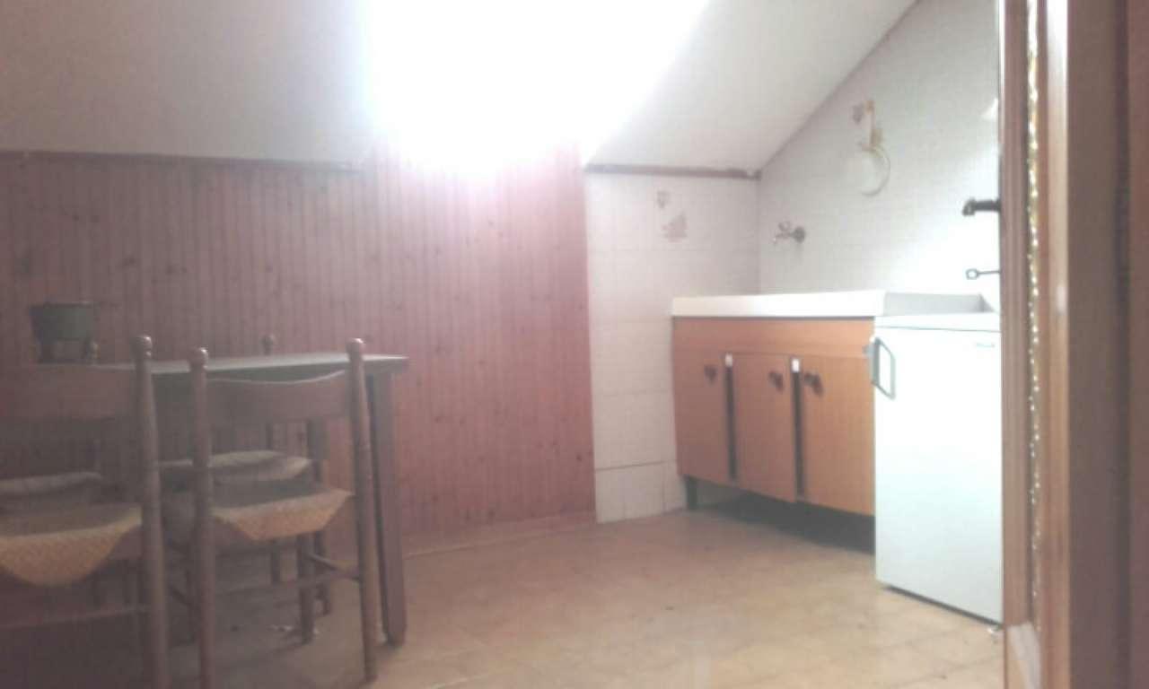 Appartamento in vendita a Mignanego, 6 locali, prezzo € 78.000   CambioCasa.it