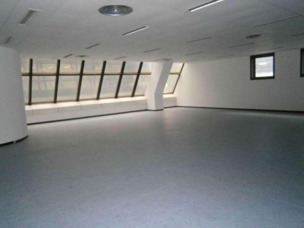Ufficio-studio in Vendita a Genova Semicentro Ovest: 5 locali, 1376 mq