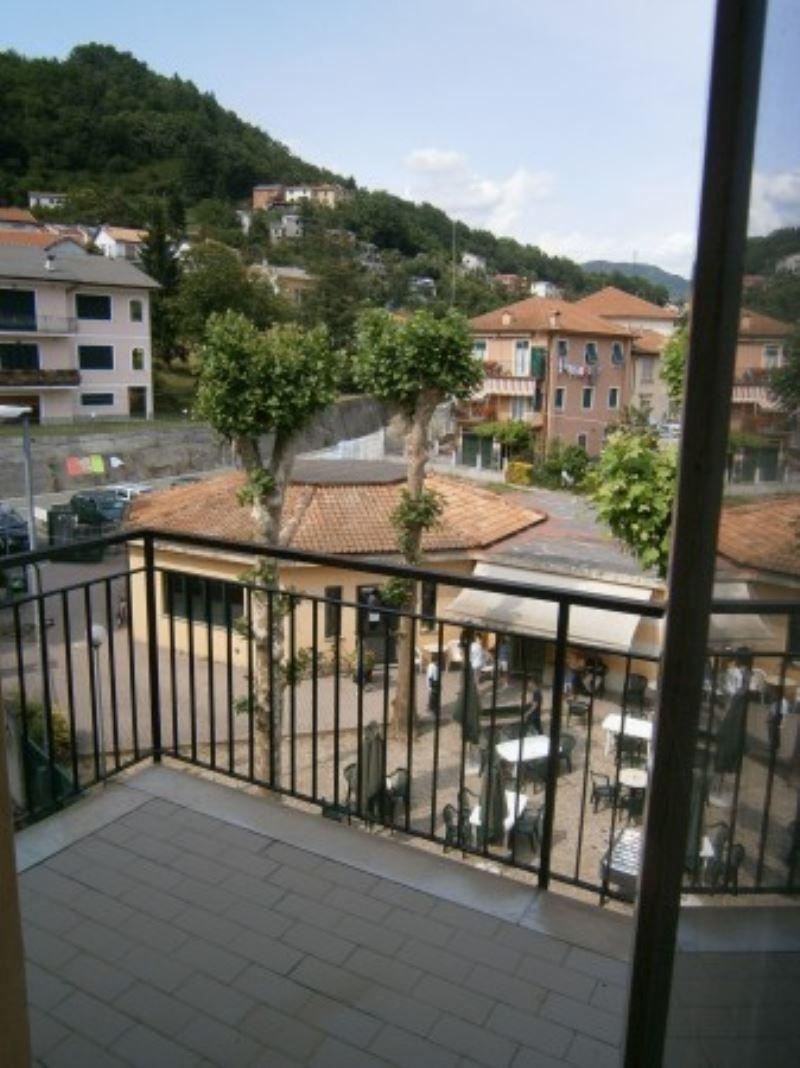 Appartamento in vendita a Lumarzo, 6 locali, prezzo € 125.000 | Cambio Casa.it