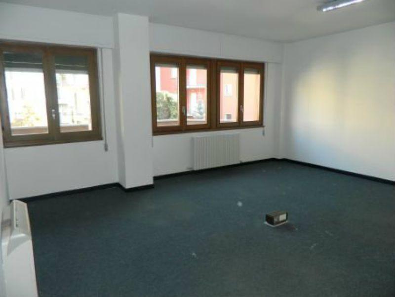 Ufficio / Studio in affitto a Sondrio, 11 locali, Trattative riservate | CambioCasa.it