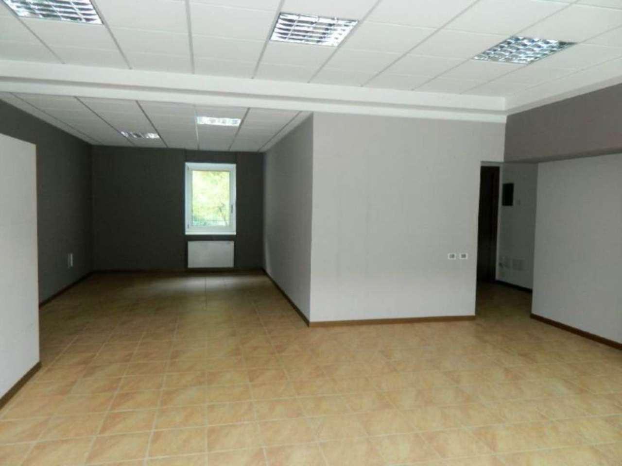 Ufficio / Studio in affitto a Sondrio, 3 locali, prezzo € 700 | CambioCasa.it