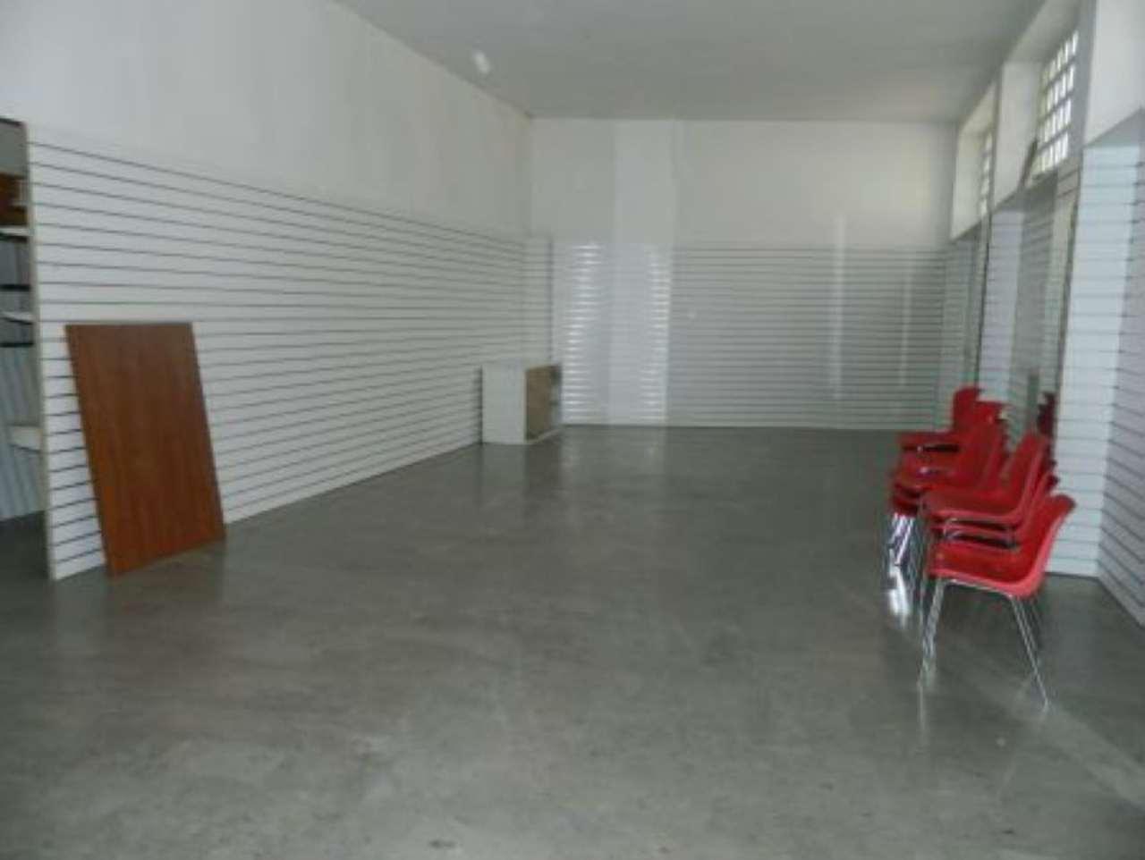 Negozio / Locale in affitto a Sondrio, 1 locali, prezzo € 1.000 | Cambio Casa.it