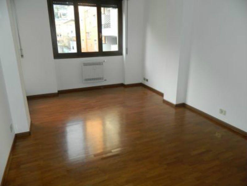 Ufficio / Studio in affitto a Sondrio, 3 locali, prezzo € 350 | CambioCasa.it