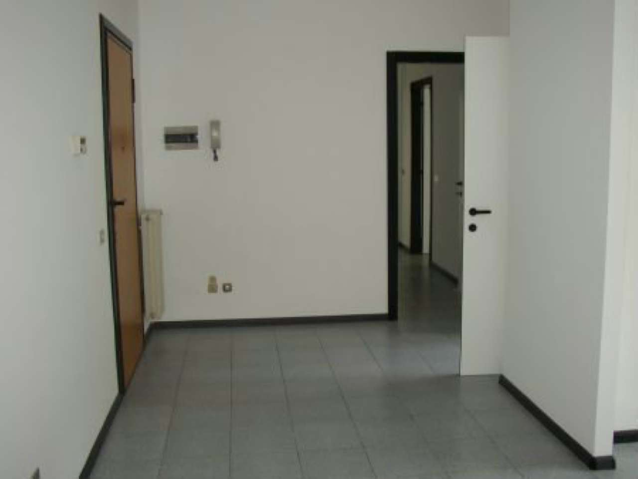 Ufficio / Studio in affitto a Sondrio, 4 locali, prezzo € 500   CambioCasa.it