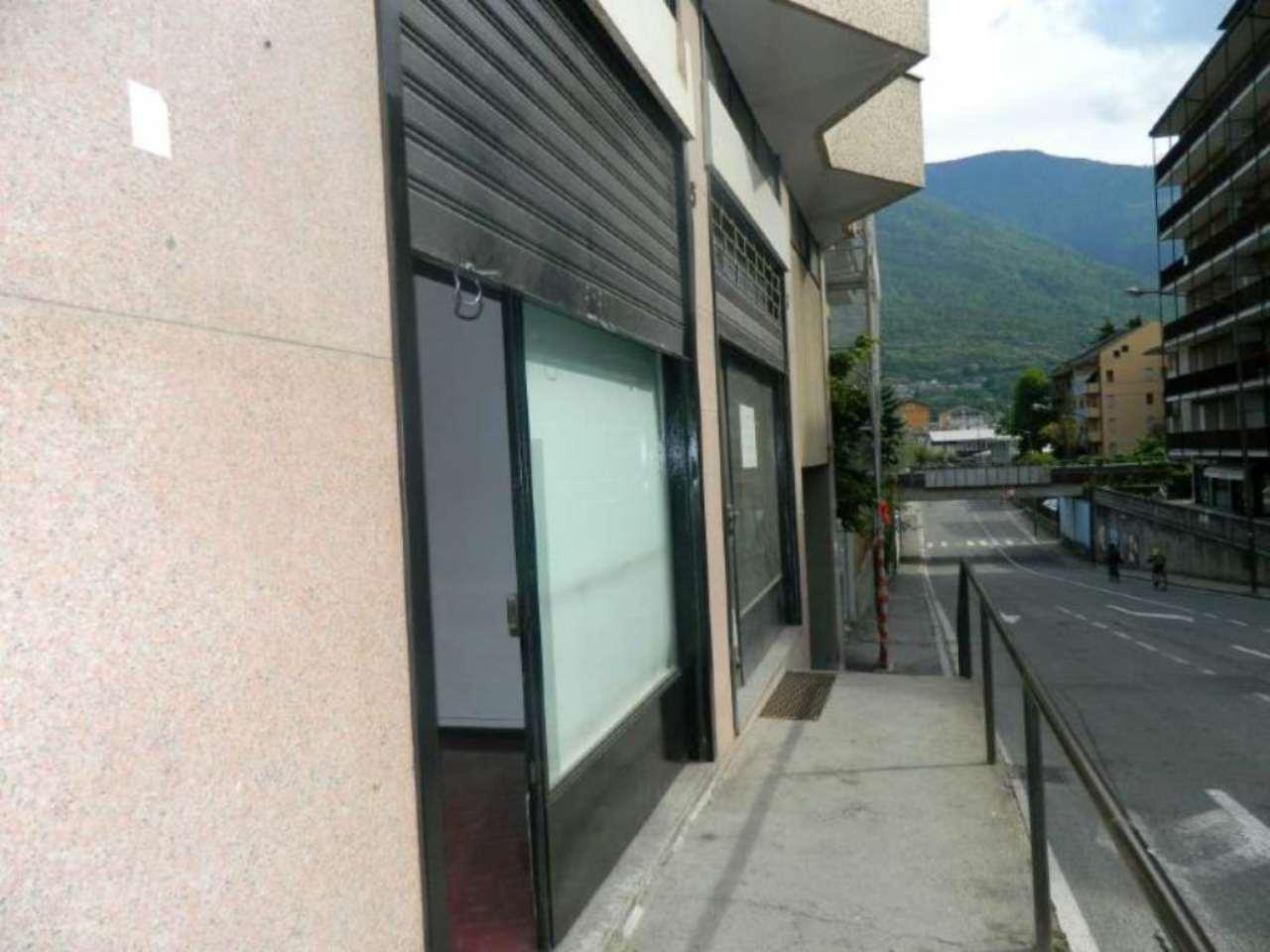 Negozio / Locale in affitto a Sondrio, 2 locali, prezzo € 400 | CambioCasa.it