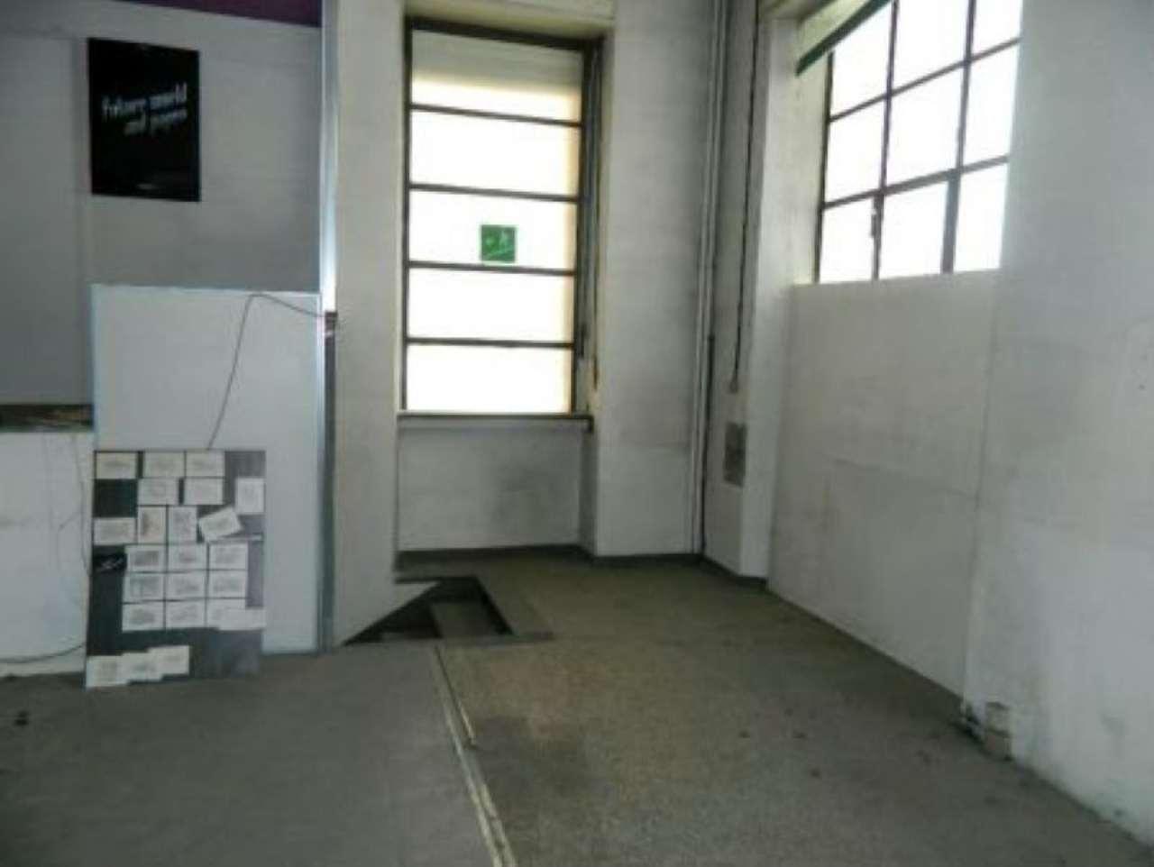 Negozio / Locale in vendita a Sondrio, 8 locali, Trattative riservate | CambioCasa.it