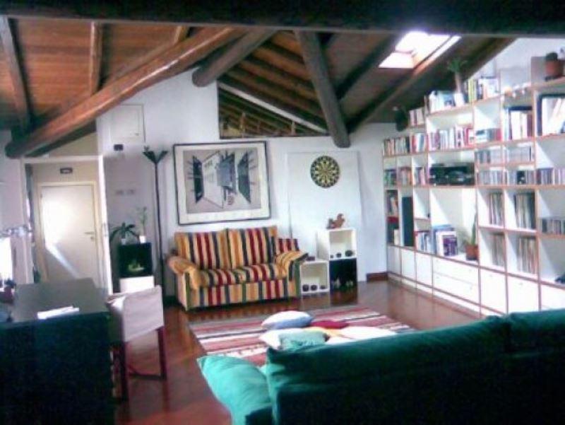Soluzione Indipendente in vendita a Sondrio, 4 locali, Trattative riservate | CambioCasa.it