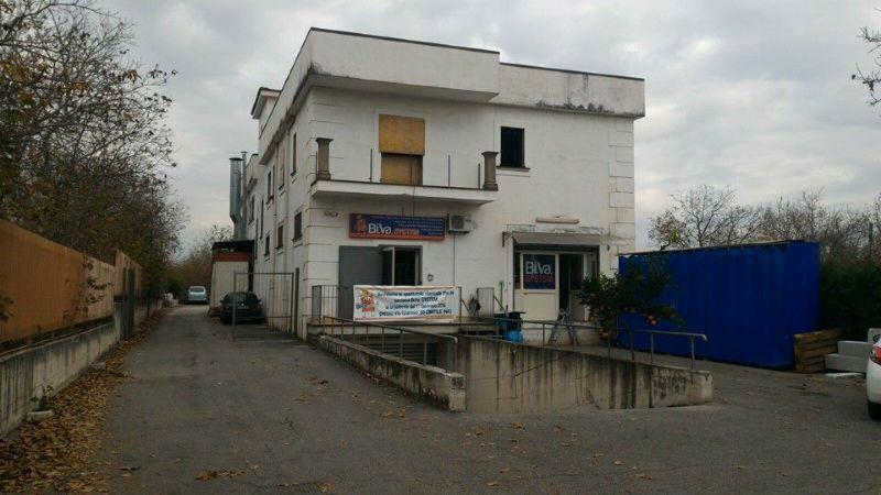 Capannone in affitto a Saviano, 2 locali, prezzo € 700 | Cambio Casa.it