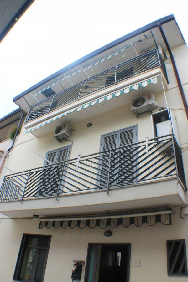 Soluzione Indipendente in vendita a Nola, 4 locali, prezzo € 150.000 | Cambio Casa.it