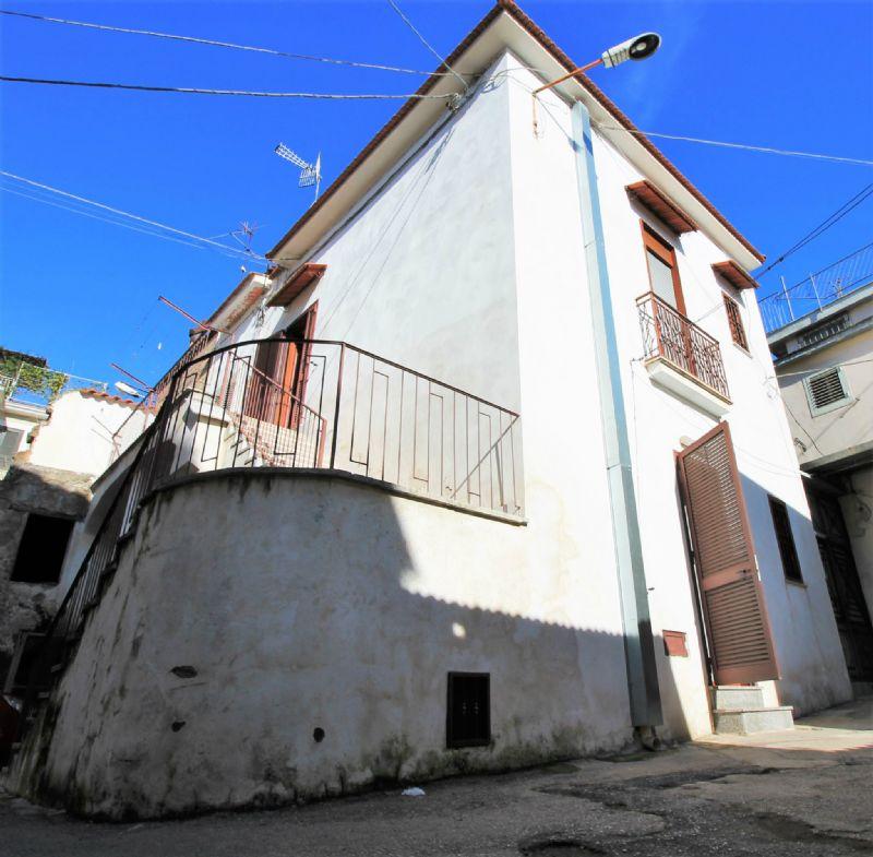 Soluzione Indipendente in vendita a Saviano, 3 locali, prezzo € 68.000 | Cambio Casa.it
