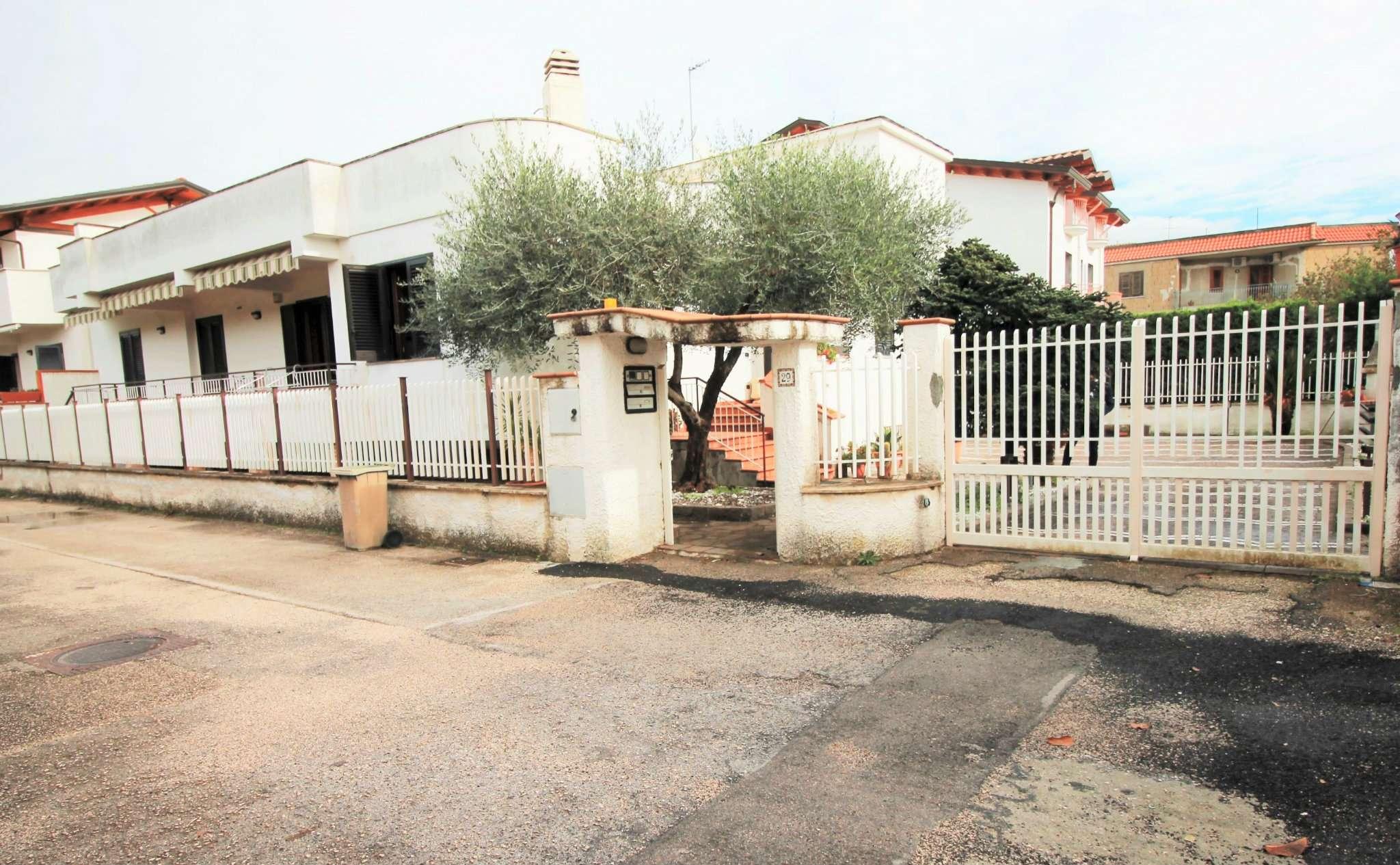 Villa in vendita a Saviano, 7 locali, prezzo € 350.000 | CambioCasa.it