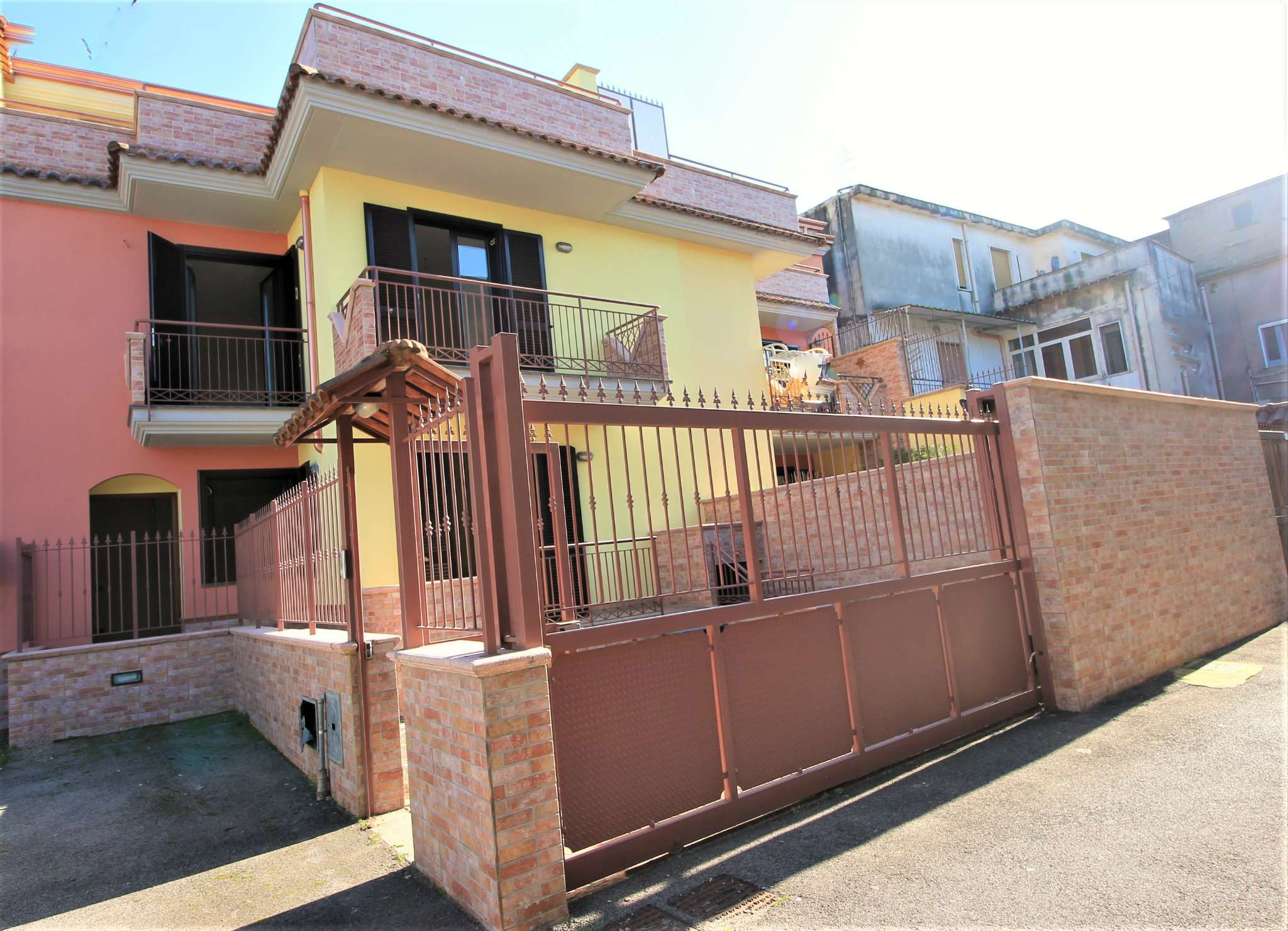 Villa in vendita a Mariglianella, 5 locali, prezzo € 260.000 | Cambio Casa.it