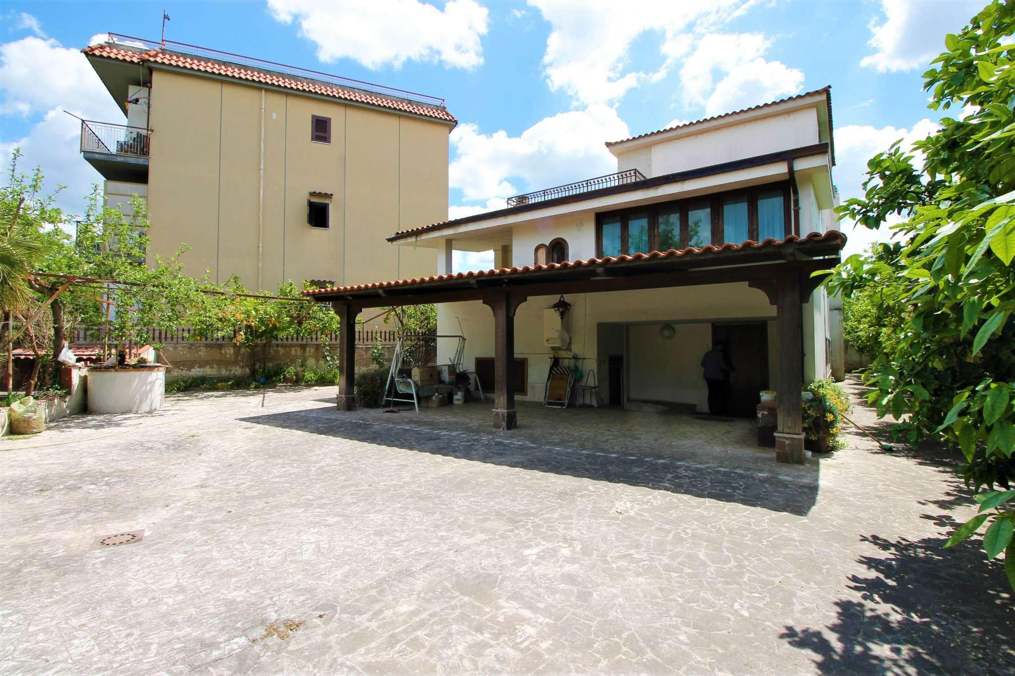 Villa in vendita a Saviano, 5 locali, prezzo € 280.000 | CambioCasa.it