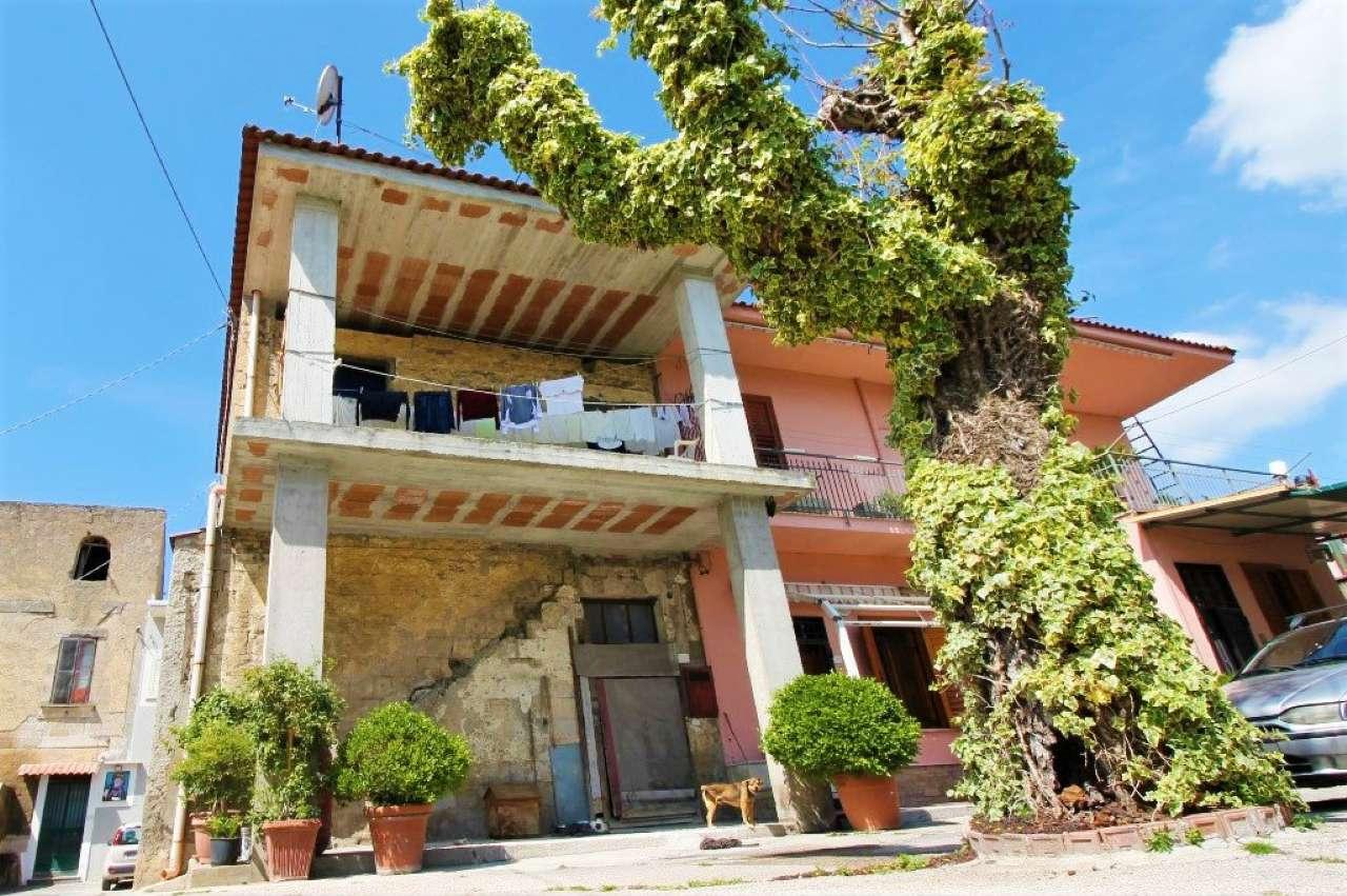 Soluzione Indipendente in vendita a Nola, 3 locali, prezzo € 38.000 | CambioCasa.it
