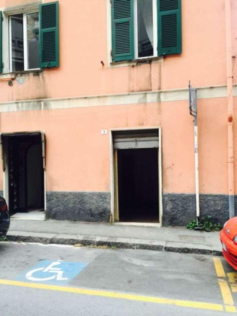 Negozio-locale in Vendita a Genova Periferia Ovest: 68 mq