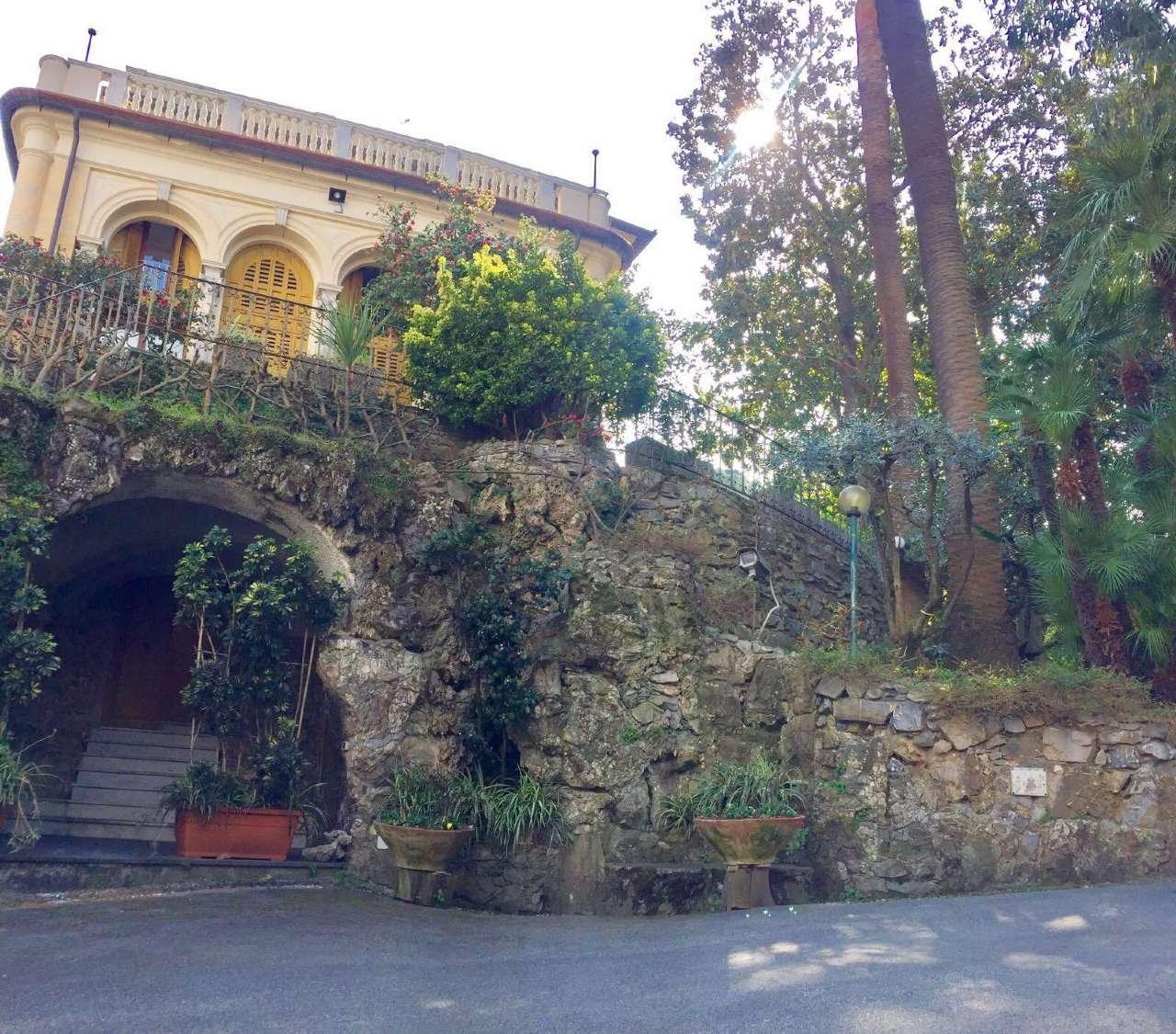 Appartamento in Vendita a Rapallo Semicentro: 210 mq