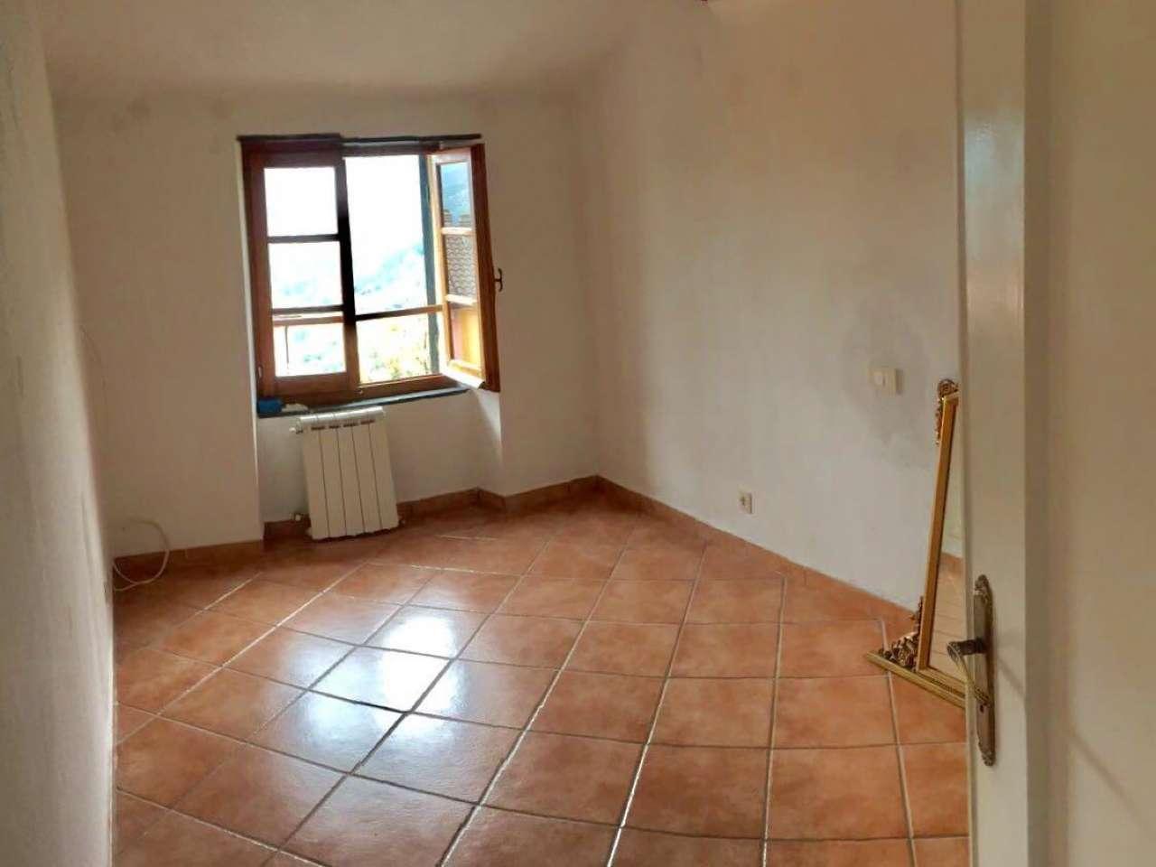 Appartamento in Vendita a Uscio: 5 locali, 85 mq