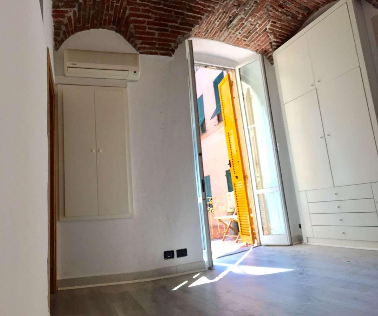 Appartamento in Vendita a Arenzano Centro: 5 locali, 75 mq