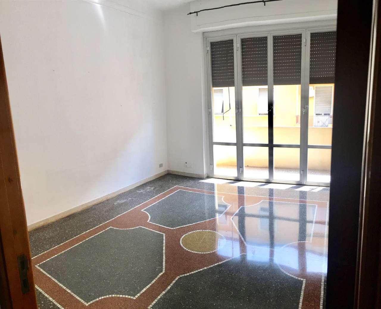 Appartamento in Affitto a Genova Centro: 85 mq