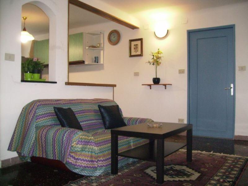 Appartamento in Affitto a Genova Semicentro Est: 5 locali, 90 mq