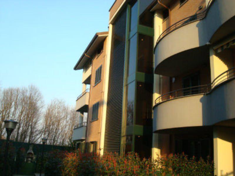 Appartamento in vendita a Albiate, 3 locali, prezzo € 219.000 | Cambio Casa.it