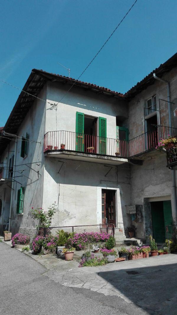 Rustico / Casale in vendita a Barzanò, 4 locali, prezzo € 49.000   Cambio Casa.it