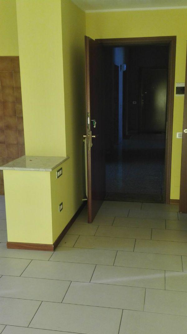Appartamento in affitto a Cesana Brianza, 3 locali, prezzo € 500 | Cambio Casa.it