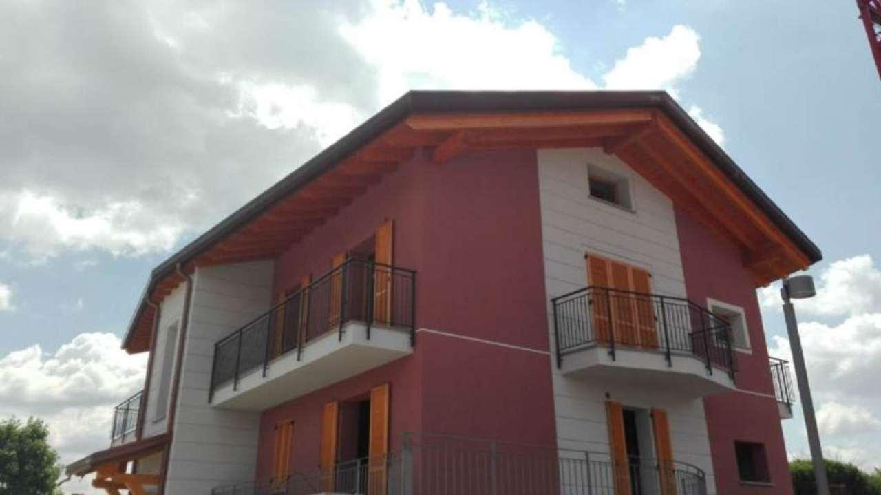 Appartamento in vendita a Garbagnate Monastero, 3 locali, prezzo € 290.000   Cambio Casa.it