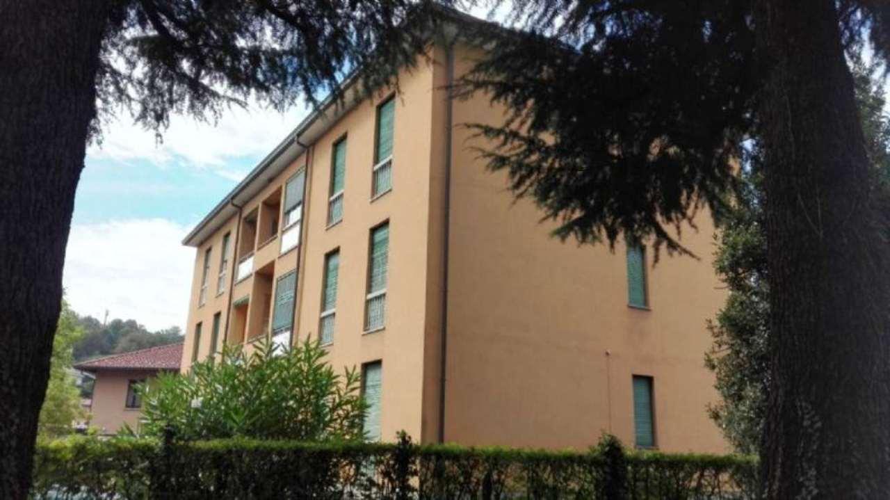 Appartamento in vendita a Barzanò, 3 locali, prezzo € 80.000 | Cambio Casa.it