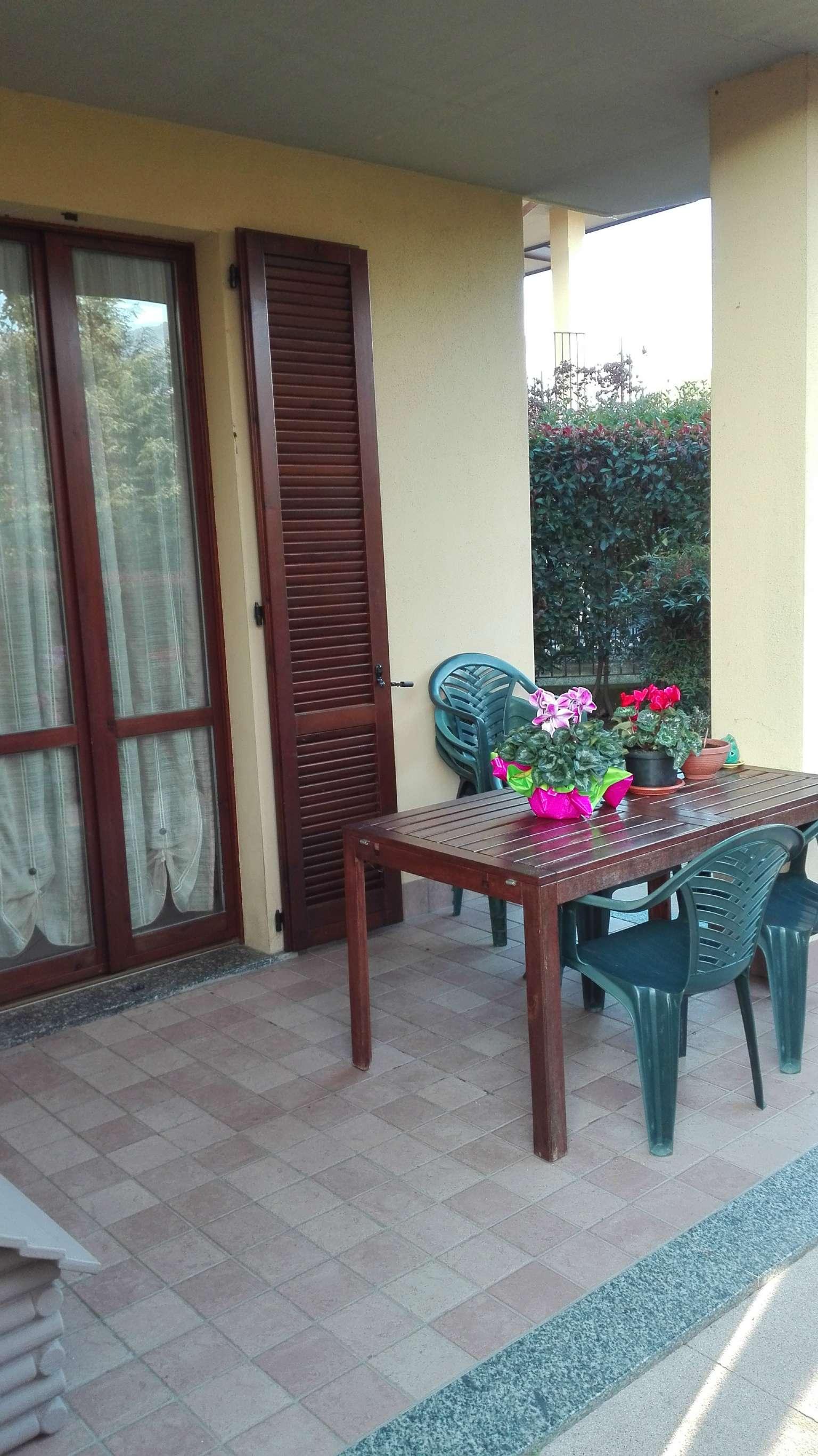Appartamento in affitto a Bosisio Parini, 3 locali, prezzo € 620 | Cambio Casa.it