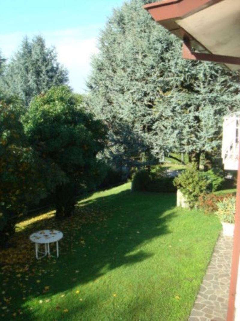 Villa in vendita a Castello di Brianza, 9999 locali, Trattative riservate | Cambio Casa.it