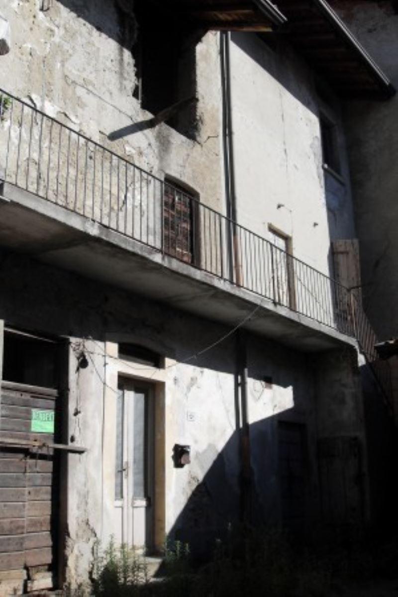 Rustico / Casale in vendita a Sirone, 6 locali, Trattative riservate | Cambio Casa.it