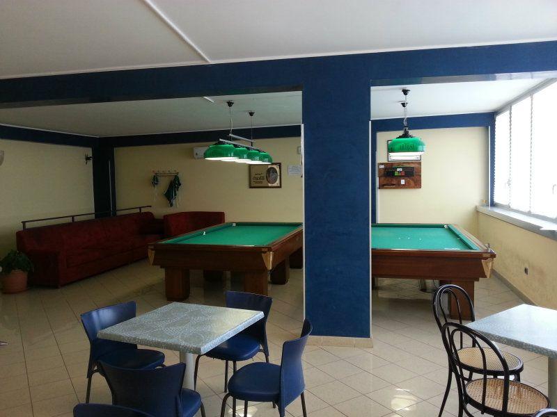 Negozio / Locale in affitto a Cattolica, 9999 locali, prezzo € 3.000   CambioCasa.it
