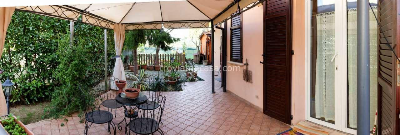 Villa Bifamiliare in vendita a Misano Adriatico, 12 locali, prezzo € 470.000 | CambioCasa.it