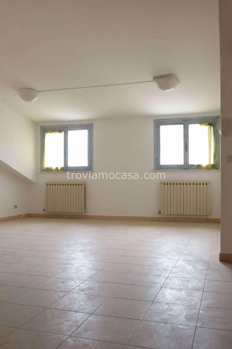 Attico / Mansarda in vendita a Cattolica, 3 locali, prezzo € 160.000 | CambioCasa.it