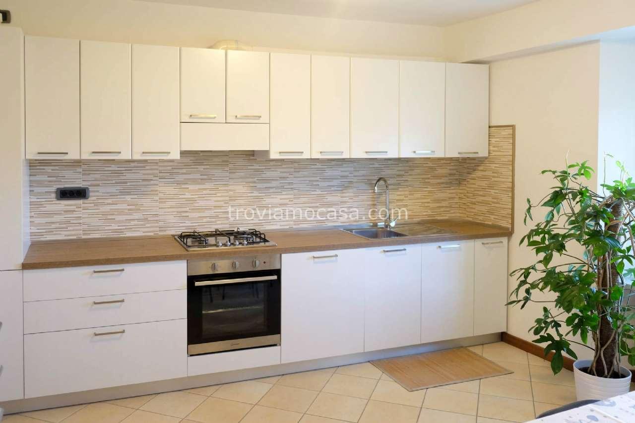 Appartamento in affitto a Cattolica, 5 locali, prezzo € 900 | CambioCasa.it